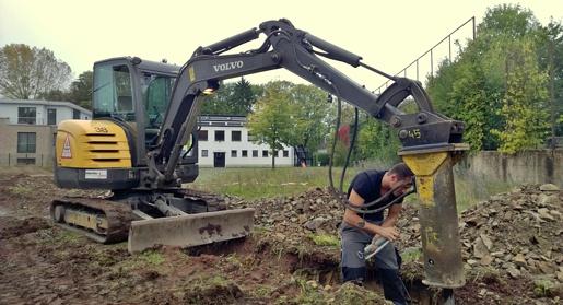Baubeginn Bagger